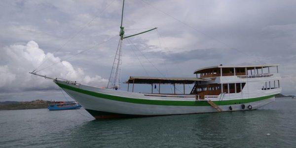 Komodo Backpackers Cruise Adventure by Wanua Company